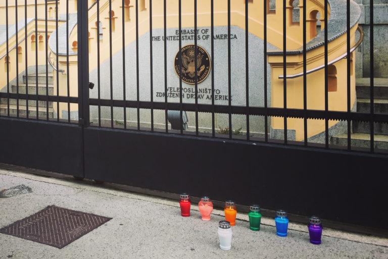 Solidarnost z LGBT-skupnostjo v Orlandu po tragičnem dogodku